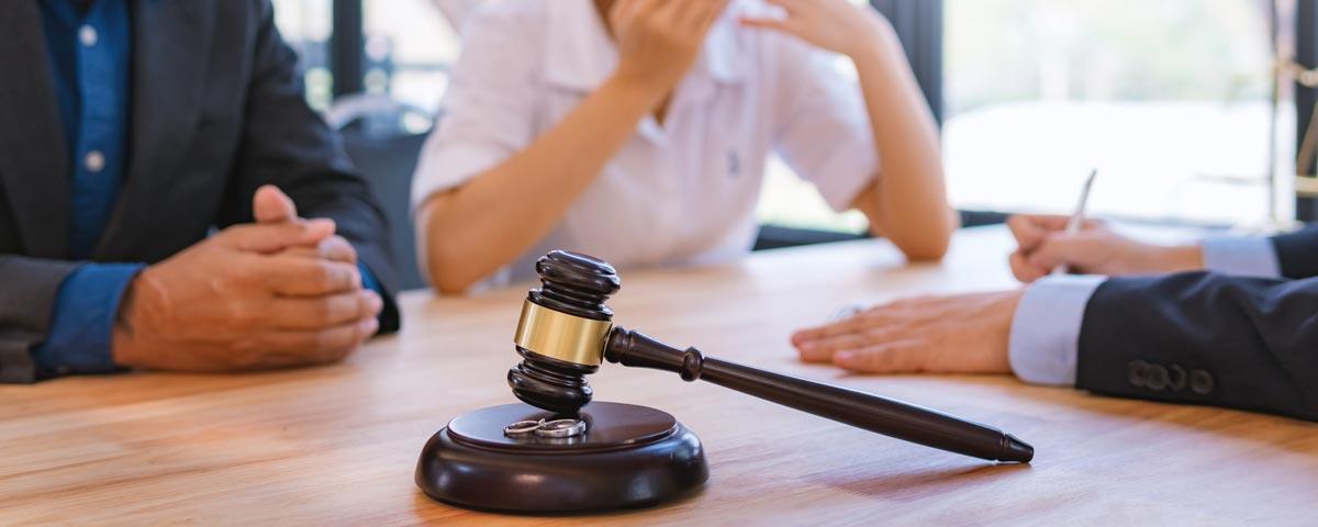 Abogados-de-Divorcio-en-Carolina-del-Norte-Dummit-Fradin